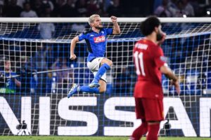 Mertens e il bacio di Llorente fanno sognare Napoli: 2-0, primo ko Liverpool