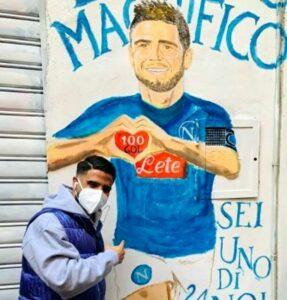 Insigne fa visita al murales a lui dedicato ai Quartieri Spagnoli