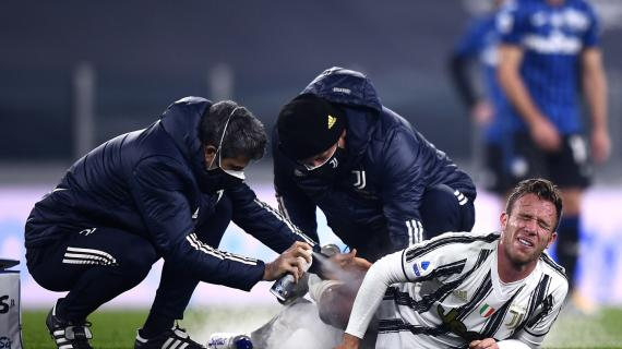 Juve, Arthur salta la sfida di Napoli. Ancora qualche giorno per Dybala, dubbi Ramsey e Bonucci