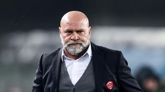 """Crotone, Cosmi: """"Non ho mai vinto a Napoli. Affidiamoci alla nostra convinzione"""""""