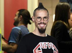 Hamsik sbarca in Svezia: l'ex azzurro accolto all'aeroporto con il coro dei tifosi del Napoli