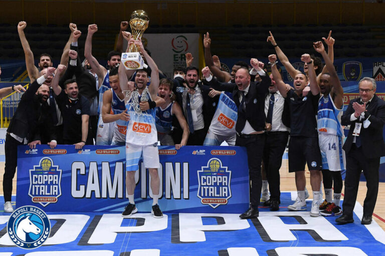 Basket, la Gevi Napoli vince la Coppa Italia di Serie A2