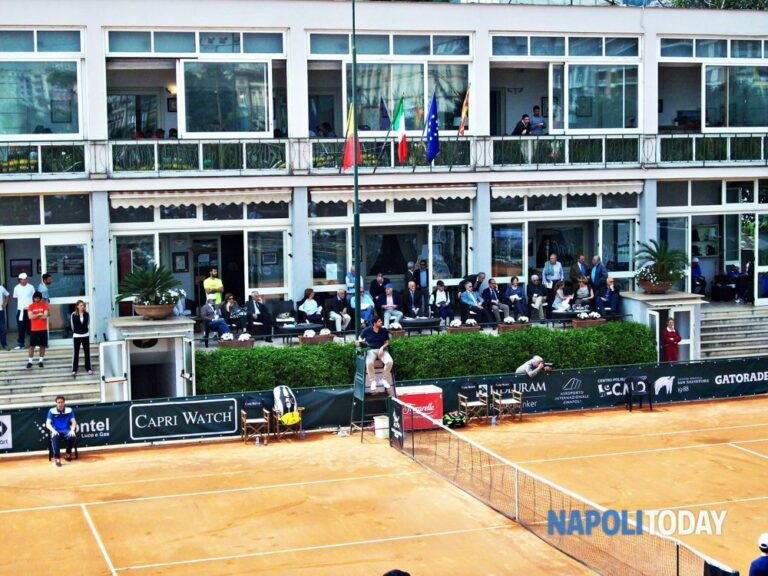 Tennis, torna dopo 5 anni il torneo internazionale di Napoli