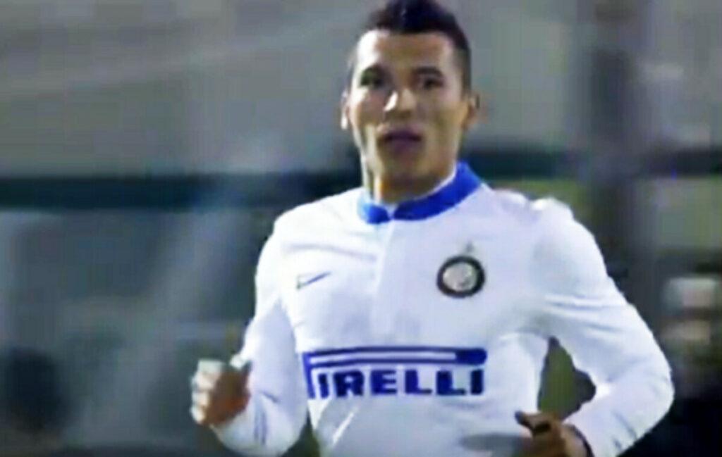 CALCIOMERCATO - Colpo De Laurentiis al Bari: preso un ex Inter e Boca Juniors